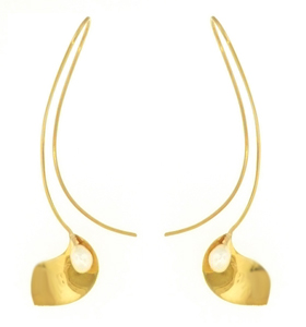 Calla Lily Sweep Earring in 14 Kt. Gold and Freshwater Cultured Pearl