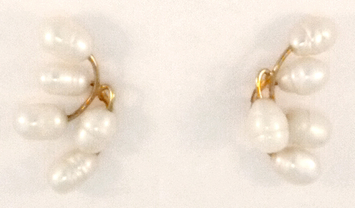 Baby's Breath Earring in gold and freshwater cultured pearl