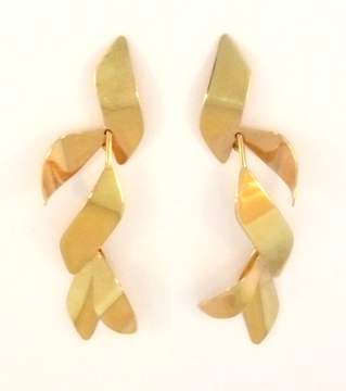 Falling Leaves Earring in 14 Kt. Gold